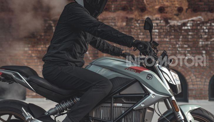 Zero Motorcycles SR/F: la moto elettrica potente ma facile da guidare - Foto 14 di 20