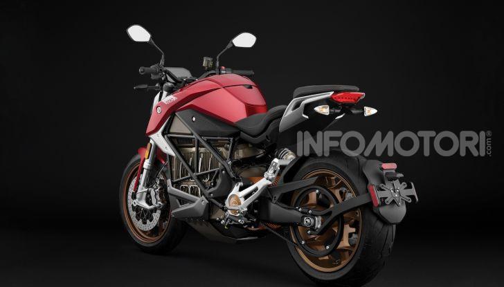 Zero Motorcycles SR/F: la moto elettrica potente ma facile da guidare - Foto 18 di 20
