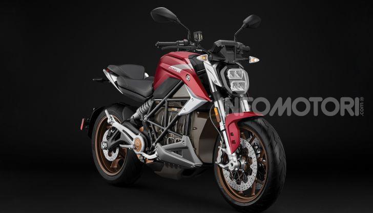 Zero Motorcycles SR/F: la moto elettrica potente ma facile da guidare - Foto 19 di 20