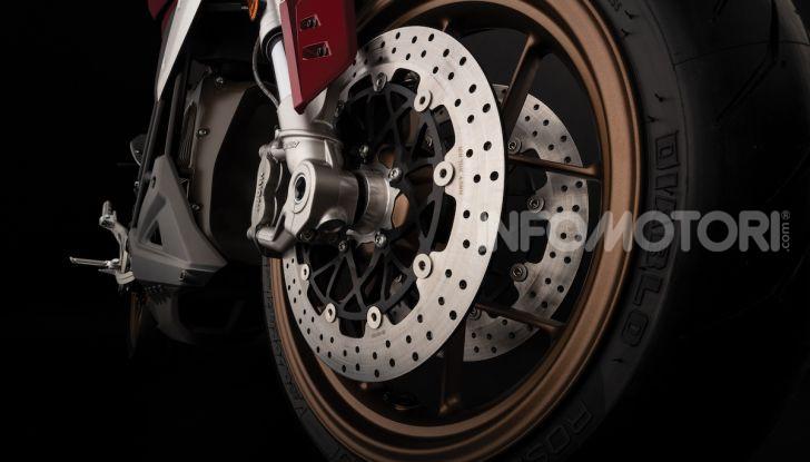 Zero Motorcycles SR/F: la moto elettrica potente ma facile da guidare - Foto 3 di 20