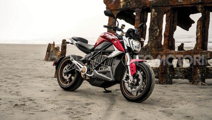 Zero Motorcycles SR/F: la moto elettrica potente ma facile da guidare - Foto 9 di 20