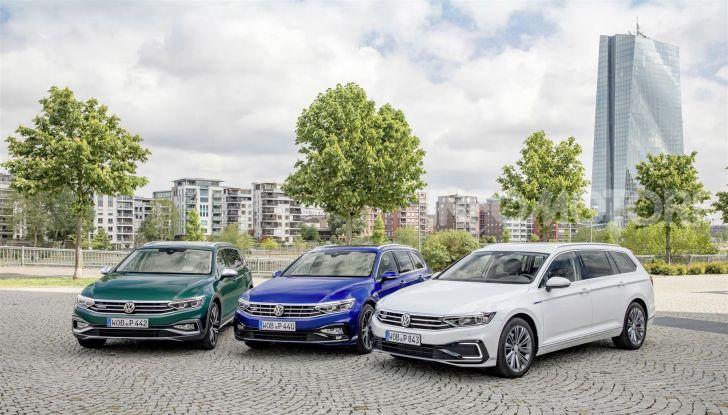 Volkswagen Passat 2019, nuovo design e motori - Foto 1 di 41