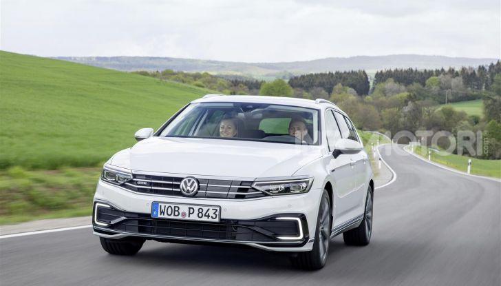Volkswagen Passat 2019, nuovo design e motori - Foto 41 di 41