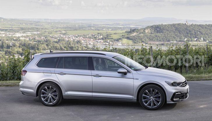 Volkswagen Passat 2019, nuovo design e motori - Foto 5 di 41