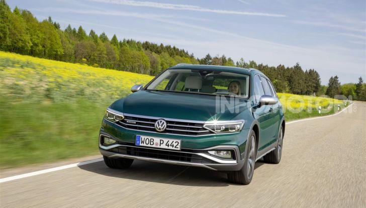 Volkswagen Passat 2019, nuovo design e motori - Foto 2 di 41