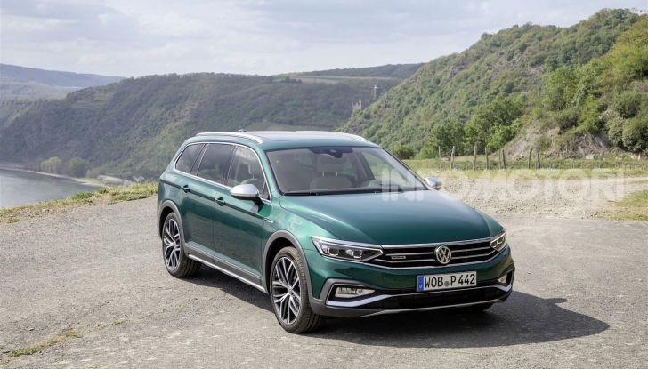 Volkswagen Passat 2019, nuovo design e motori - Foto 39 di 41