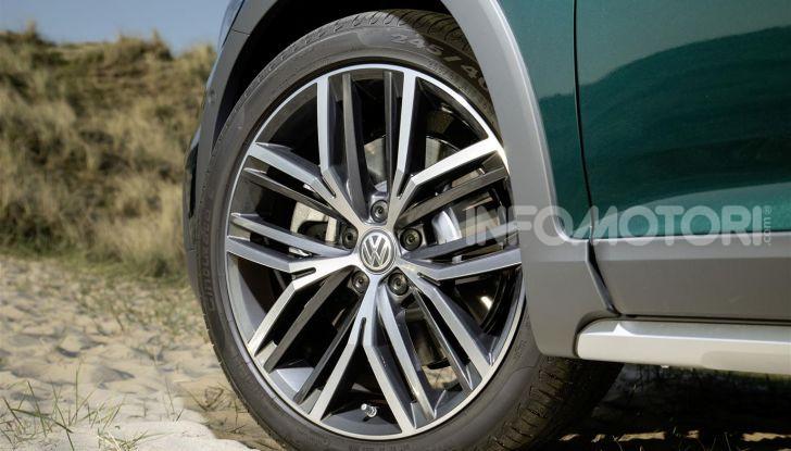 Volkswagen Passat 2019, nuovo design e motori - Foto 11 di 41