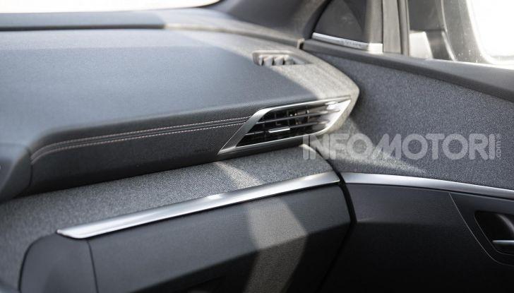 In viaggio verso Ginevra e nel futuro elettrificato con Peugeot - Foto 17 di 49