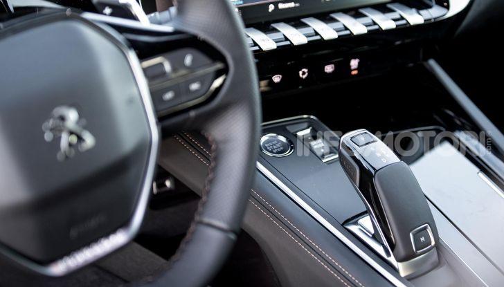 In viaggio verso Ginevra e nel futuro elettrificato con Peugeot - Foto 18 di 49