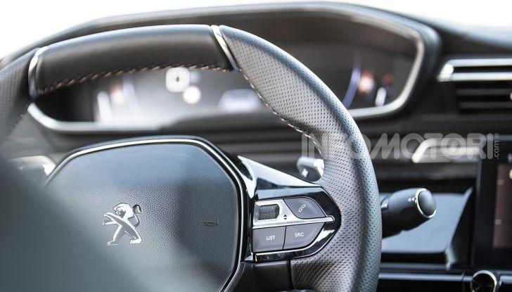 In viaggio verso Ginevra e nel futuro elettrificato con Peugeot - Foto 16 di 49
