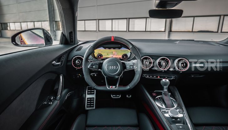 Nuova Audi TTS: ancora più sportiva - Foto 13 di 30