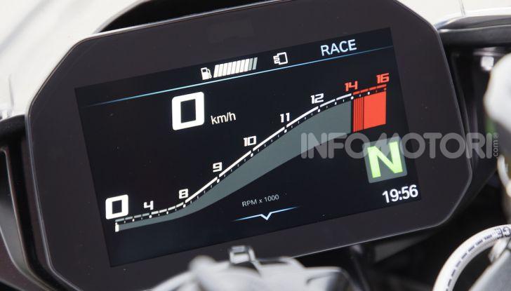 BMW S 1000 RR 2019: più veloce, leggera e guidabile - Foto 9 di 14