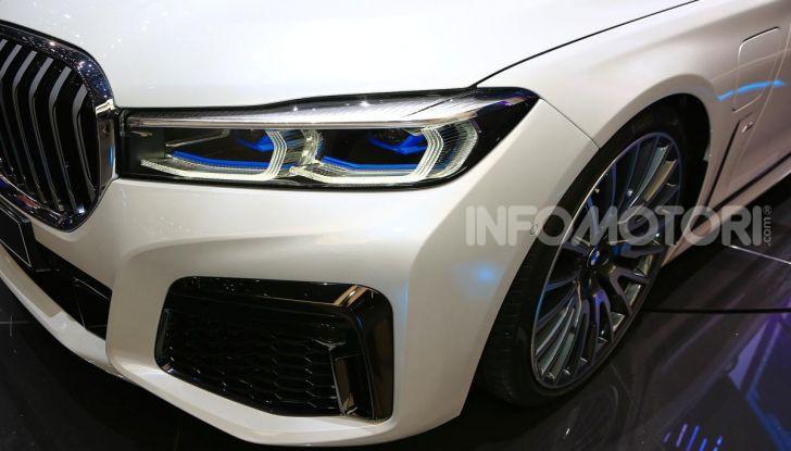 Nuova BMW Serie 7 2019: un restyling imperioso per l'ammiraglia tedesca - Foto 14 di 43