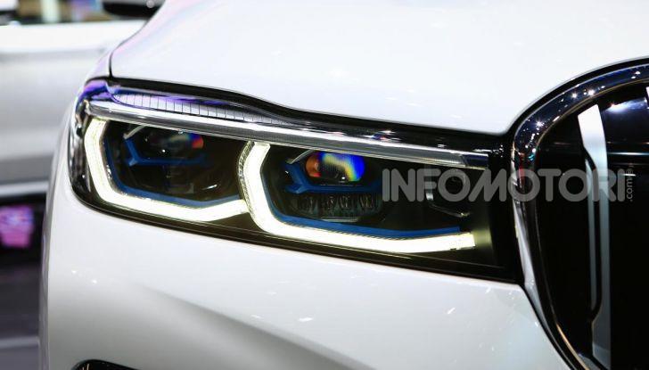 Nuova BMW Serie 7 2019: un restyling imperioso per l'ammiraglia tedesca - Foto 16 di 43