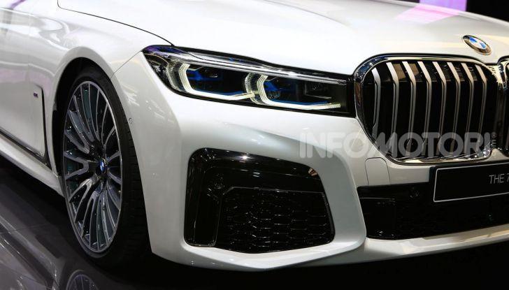 Nuova BMW Serie 7 2019: un restyling imperioso per l'ammiraglia tedesca - Foto 18 di 43
