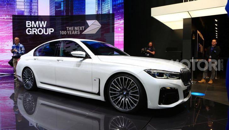 Nuova BMW Serie 7 2019: un restyling imperioso per l'ammiraglia tedesca - Foto 19 di 43