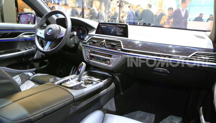 Nuova BMW Serie 7 2019: un restyling imperioso per l'ammiraglia tedesca - Foto 20 di 43