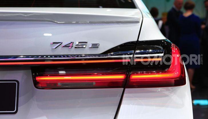 Nuova BMW Serie 7 2019: un restyling imperioso per l'ammiraglia tedesca - Foto 23 di 43