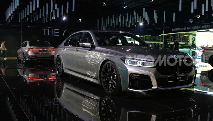 Nuova BMW Serie 7 2019: un restyling imperioso per l'ammiraglia tedesca - Foto 6 di 43