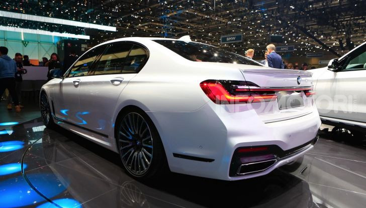 Nuova BMW Serie 7 2019: un restyling imperioso per l'ammiraglia tedesca - Foto 25 di 43