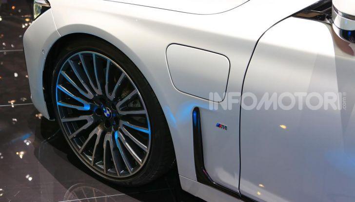 Nuova BMW Serie 7 2019: un restyling imperioso per l'ammiraglia tedesca - Foto 26 di 43