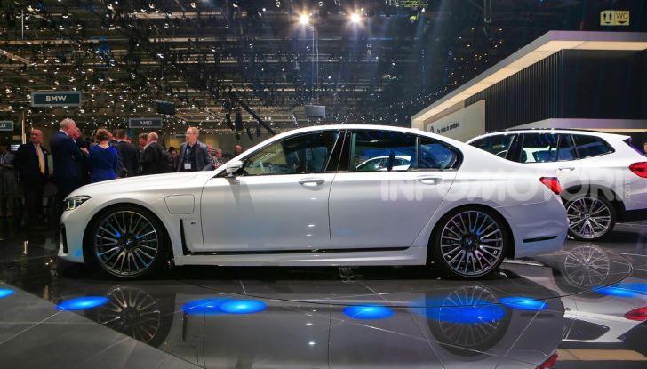 Nuova BMW Serie 7 2019: un restyling imperioso per l'ammiraglia tedesca - Foto 27 di 43