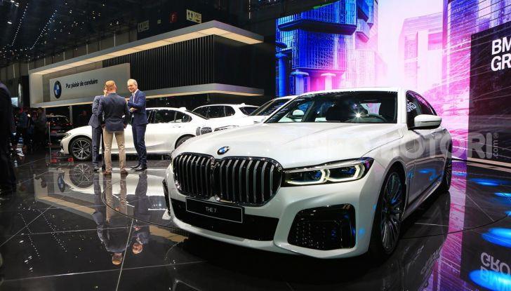Nuova BMW Serie 7 2019: un restyling imperioso per l'ammiraglia tedesca - Foto 5 di 43