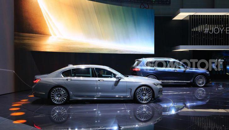 Nuova BMW Serie 7 2019: un restyling imperioso per l'ammiraglia tedesca - Foto 33 di 43
