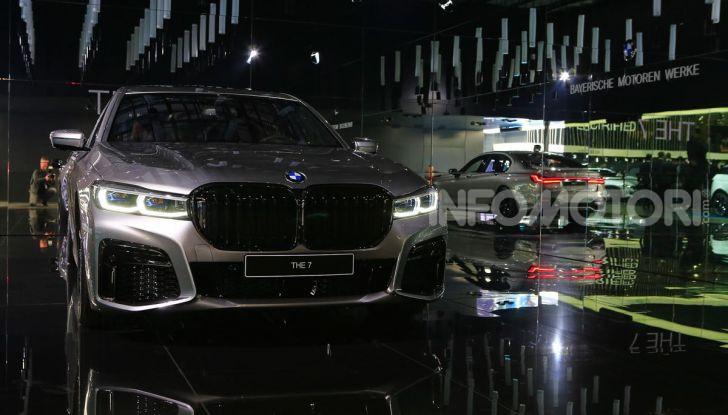 Nuova BMW Serie 7 2019: un restyling imperioso per l'ammiraglia tedesca - Foto 7 di 43