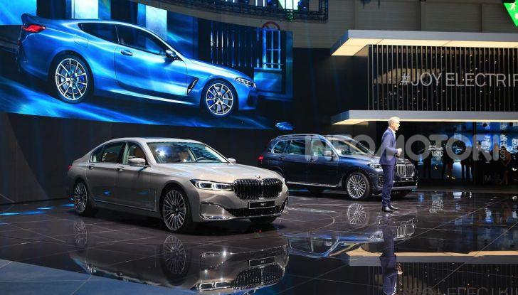 Nuova BMW Serie 7 2019: un restyling imperioso per l'ammiraglia tedesca - Foto 38 di 43