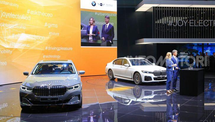 Nuova BMW Serie 7 2019: un restyling imperioso per l'ammiraglia tedesca - Foto 40 di 43