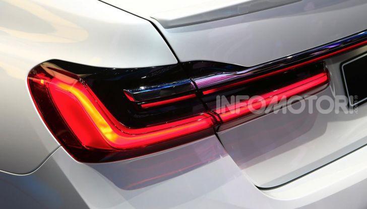 Nuova BMW Serie 7 2019: un restyling imperioso per l'ammiraglia tedesca - Foto 9 di 43