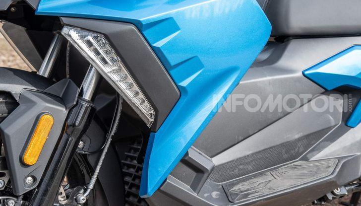 Comparativa scooter 400: Suzuki Burgman, Yamaha XMAX e BMW C400X - Foto 4 di 61