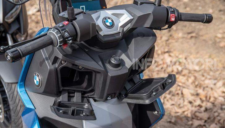 Comparativa scooter 400: Suzuki Burgman, Yamaha XMAX e BMW C400X - Foto 9 di 61