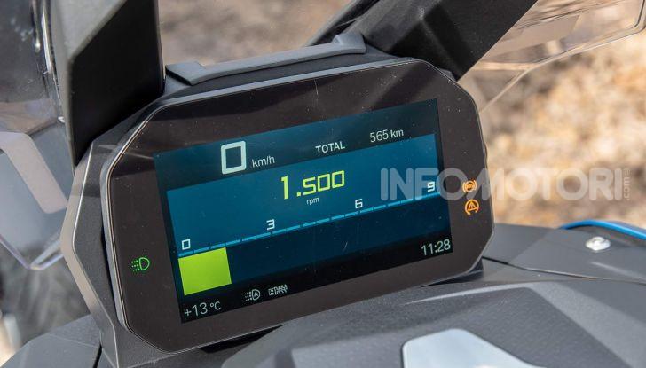 Comparativa scooter 400: Suzuki Burgman, Yamaha XMAX e BMW C400X - Foto 10 di 61