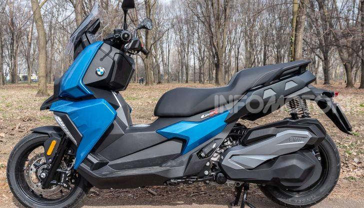 Comparativa scooter 400: Suzuki Burgman, Yamaha XMAX e BMW C400X - Foto 11 di 61