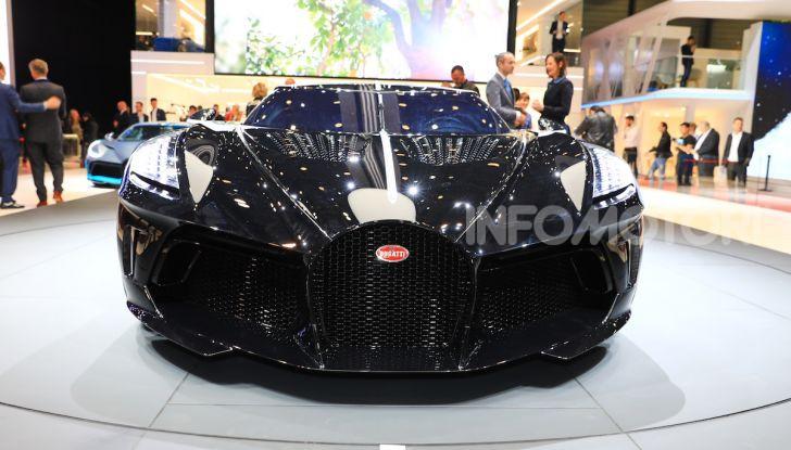 Bugatti La Voiture Noire: supercar da 11 milioni di euro - Foto 1 di 32