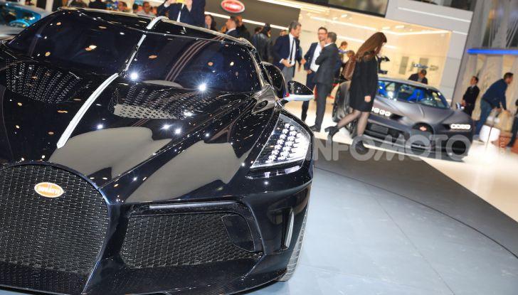 Bugatti La Voiture Noire: supercar da 11 milioni di euro - Foto 12 di 32