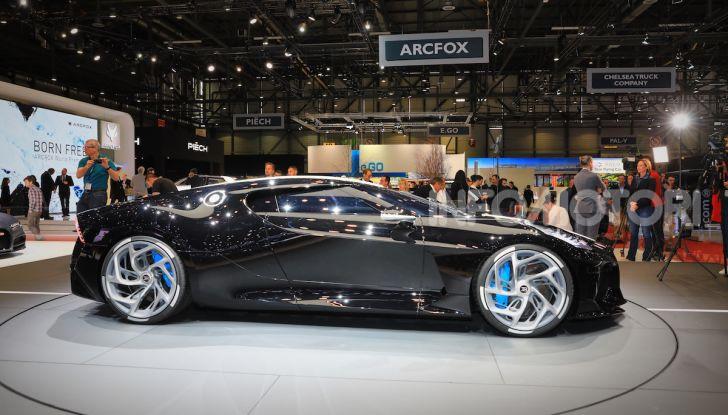 Bugatti La Voiture Noire: supercar da 11 milioni di euro - Foto 4 di 32