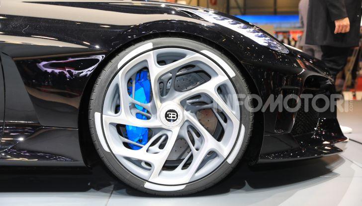 Bugatti La Voiture Noire: supercar da 11 milioni di euro - Foto 26 di 32