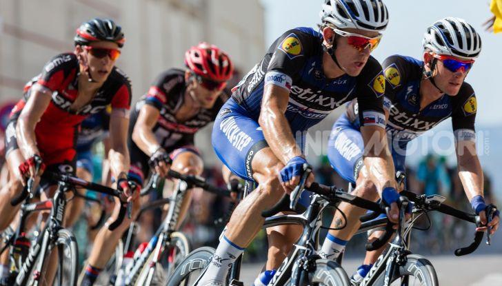 De Bertoldi: ciclisti solo con casco, assicurazione e targa - Foto 11 di 13