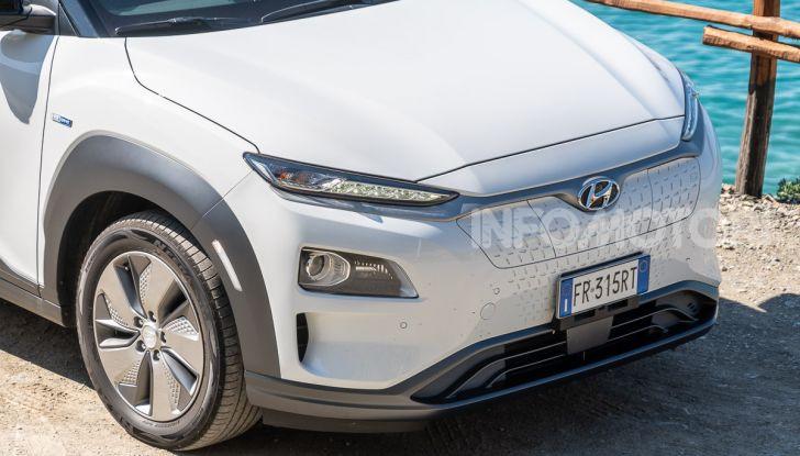 Prova su strada Hyundai Kona Electric, il B-SUV elettrico a prova di vacanza - Foto 1 di 46