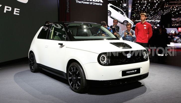 Honda E: la nuova city car per il mercato europeo - Foto 1 di 13