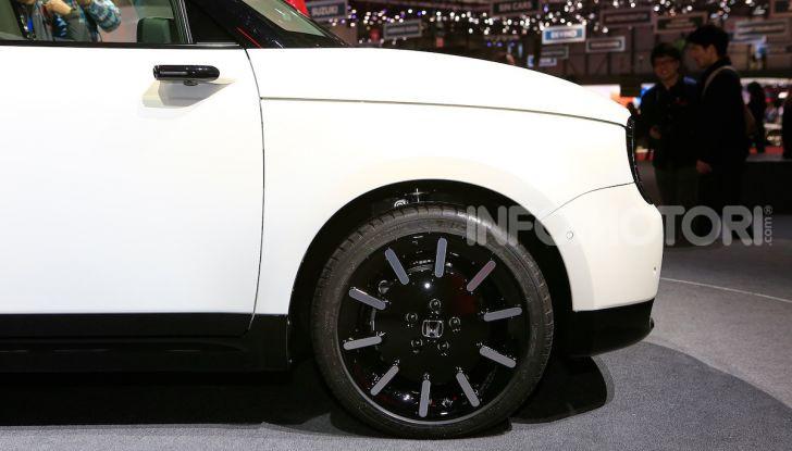 Honda E: la nuova city car per il mercato europeo - Foto 6 di 13