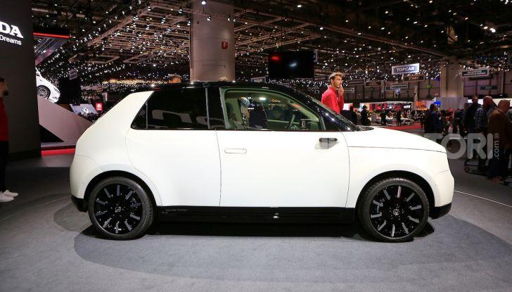 Honda E: la nuova city car per il mercato europeo - Foto 2 di 13