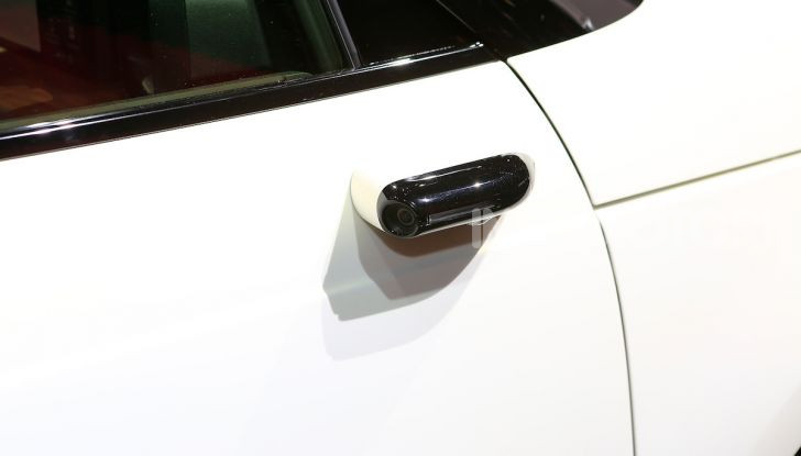 Honda E: la nuova city car per il mercato europeo - Foto 7 di 13