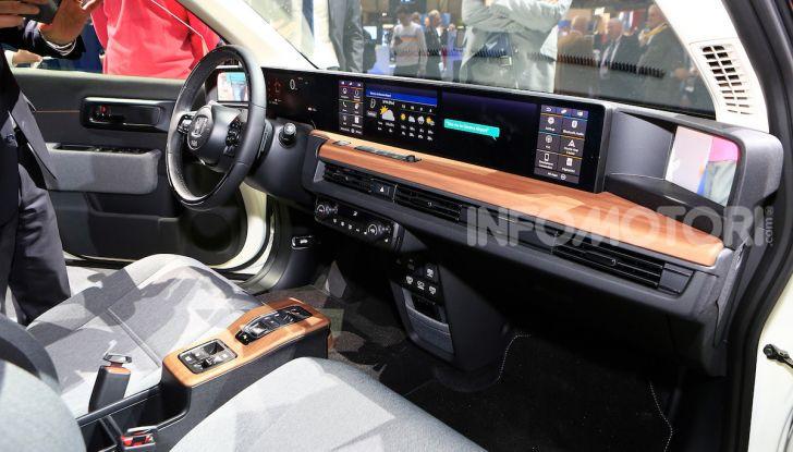 Honda E: la nuova city car per il mercato europeo - Foto 9 di 13