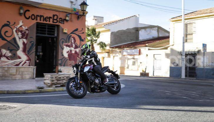 Prova su strada Honda CB650R e CBR650R 2019, caratteristiche, prezzi ed opinioni - Foto 10 di 78