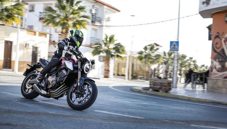 Prova su strada Honda CB650R e CBR650R 2019, caratteristiche, prezzi ed opinioni - Foto 11 di 78
