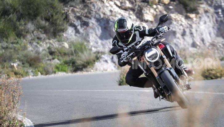 Prova su strada Honda CB650R e CBR650R 2019, caratteristiche, prezzi ed opinioni - Foto 13 di 78